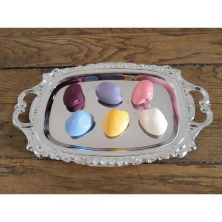 Customizable clam (colour)