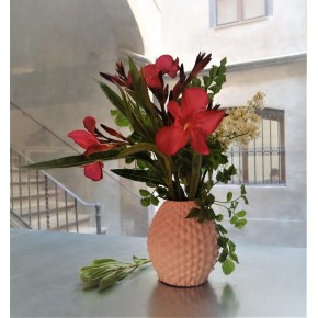 Customizable pineapple vase in ceramic resin