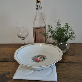 Table mat with Barcelona Rose in ceramic resin
