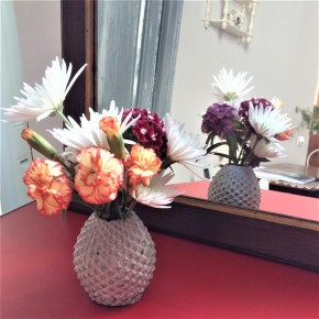 Customizable pineapple vase in concrete