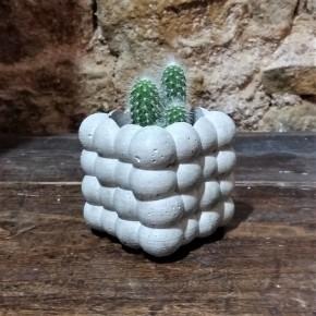 Cubic cloud flowerpot in concrete