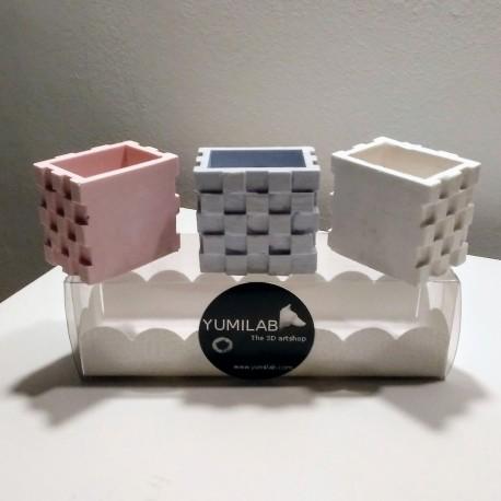 3 mini macetas cúbicas con exterior en forma de escalera e imán integrado