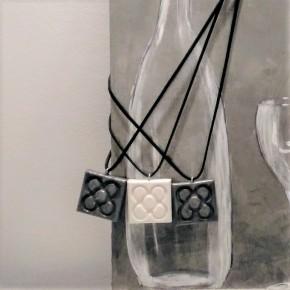 Collier Fleur de Barcelone, grand panot en résine céramique