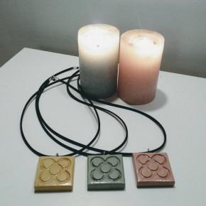 10 colliers personnalisables avec grand pendentif Panot en résine céramique