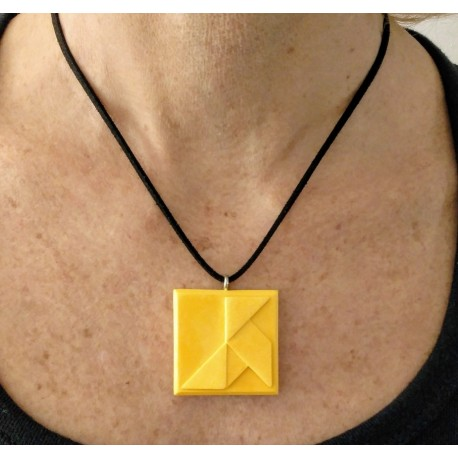 """Adjustable necklace with a """"Cocotte, Paper bird"""" pendant in ceramic resin"""