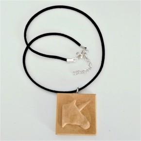 Collar ajustable amb penjoll unicorn, en resina ceràmica