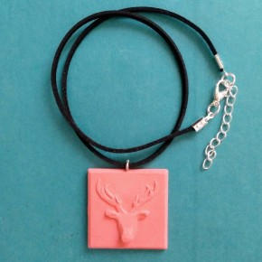 Adjustable necklace with a deer, reindeer, pendant in ceramic resin