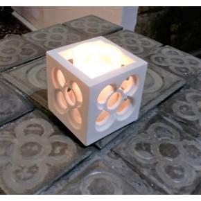 Pot cubique ajouré Panot, Fleur de pavé de Barcelone