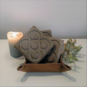 Plaque décorative béton foncé Rose de Barcelone