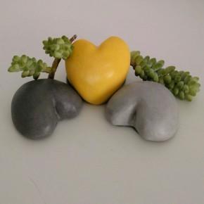 3 presse-papiers coeur, galets coeur, pierres en forme de coeur