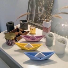 Velero grande de estilo origami personalizable