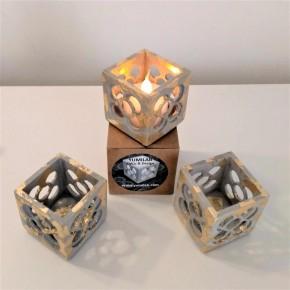 3 mini macetas cúbicas caladas Panots gris acabado metal dorado