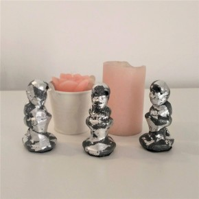 3 Caganer figurines in grey ceramic resin with silver metal finish