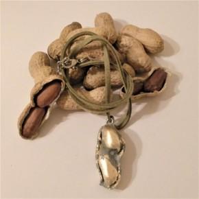 Collier cacahuète, pendentif cacahuete