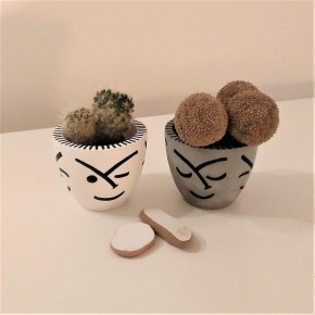 Mini round pot Faces