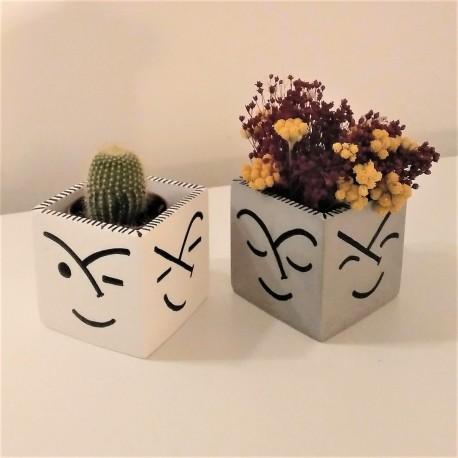 Square pot Faces