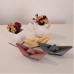 3 Mini Sailboats in origami style