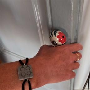 Bracelet main fleur de Bilbao, rosette de Bilbao en résine céramique