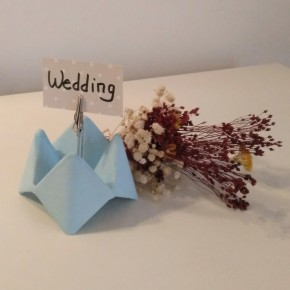 Paper flower cocotte clip in resin