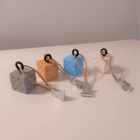 4 Bilbao rosette tablecloth clips