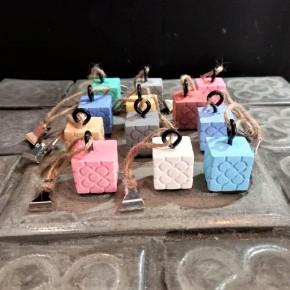 12 Bilbao rosette tablecloth clips