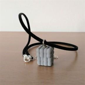 Collar Nube resina cerámica