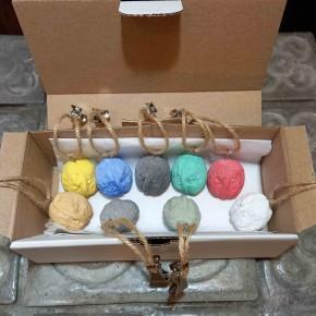 8 walnut tablecloth weights