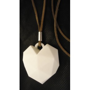 Collar Extra largo corazon blanco cordon natural detalle