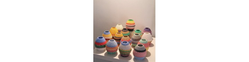 Decorating pots and vases